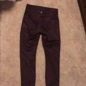 Lululemon size 8 maroon align leggings